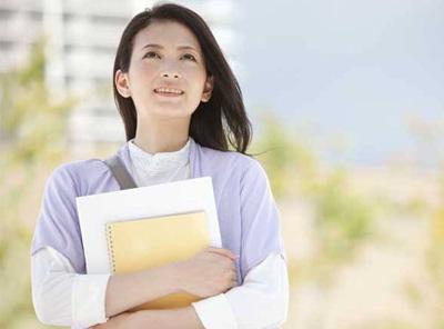 职场新人不要总想着坐办公室,要深入一线去