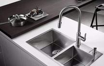 厨房水龙头漏水原因和解决办法