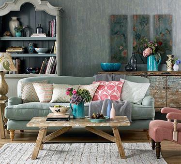 温馨舒适的小客厅双人沙发效果图
