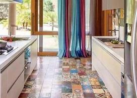 小花砖进入到厨房,9款小厨房花砖装修效果图