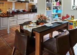 棕色家具与格子沙发搭配,130平米美式风格三室两厅装修效果图
