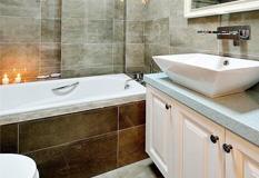 16款卫生间瓷砖效果图,你是选择座便器还是选择蹲坑?