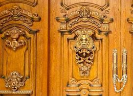 10张实木雕花门效果图片展示