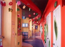 15张幼儿园走廊环境布置效果图片