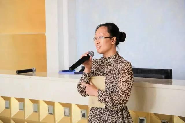 """""""华诞22载 心怀感恩""""华隆涂料举行22周年员工表彰大会"""