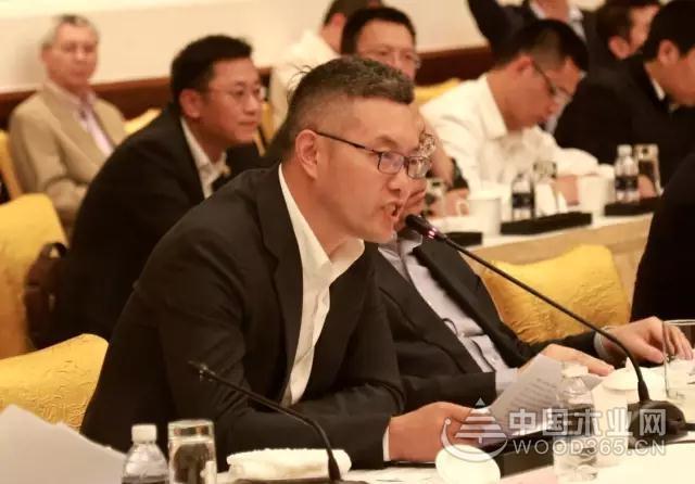 书香门地作为优秀企业代表受邀出席全国人大常委会《产品质量法》座谈会并做建议发言