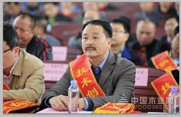 壮象获融安县县政府表彰