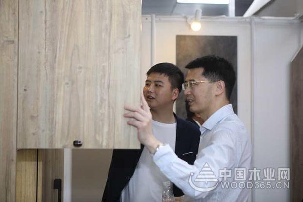 梦克饰面全木板首次亮相,惊艳整个广州定制家居展
