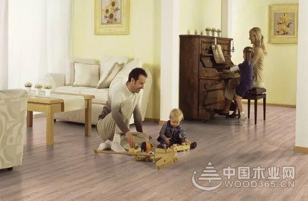 兔宝宝地板牵手百年柯诺,成为高品质产品代言者!