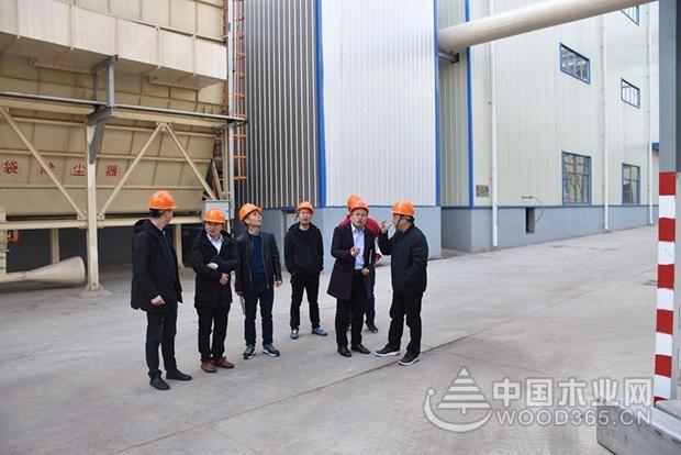 方太柏橱采购部长赵剑锋等一行到访科林尊宝娱乐工厂参观