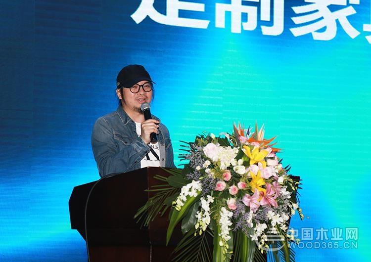 歡樂熊2019-2020經銷商年會成功舉行 歡樂熊商學院現場隆重揭牌
