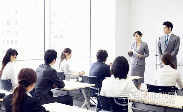 职场礼仪:成功面试的7条建议