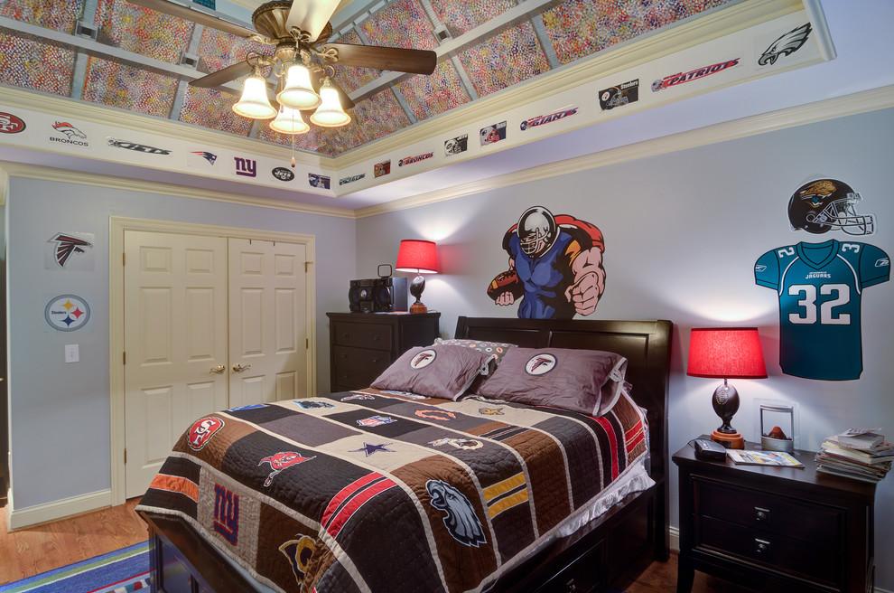 女孩子的卧室整体格局温馨浪漫即可,男孩子可不能如此追求浪漫与可爱