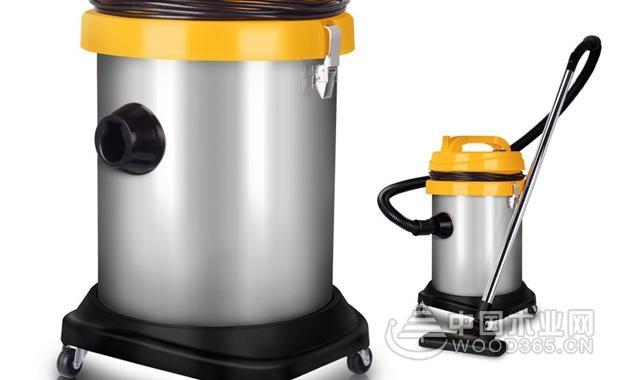 2,家用干湿两吸尘器工作原理其实就是比普通的吸尘器多了一个