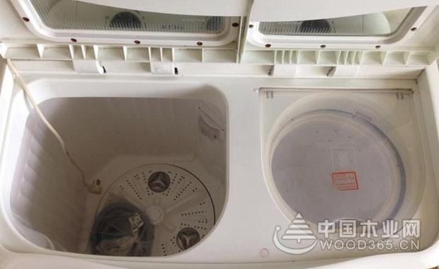 那么,洗衣机双桶怎么清洗好?洗衣机双桶拆卸的方法是什么?