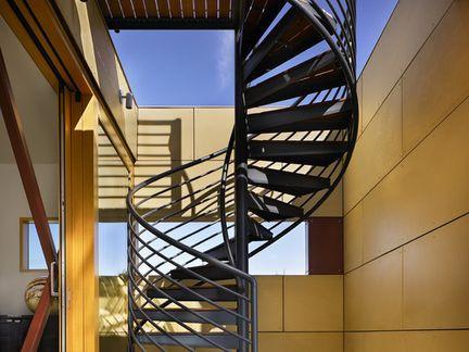 10款简单的旋转楼梯设计效果图1