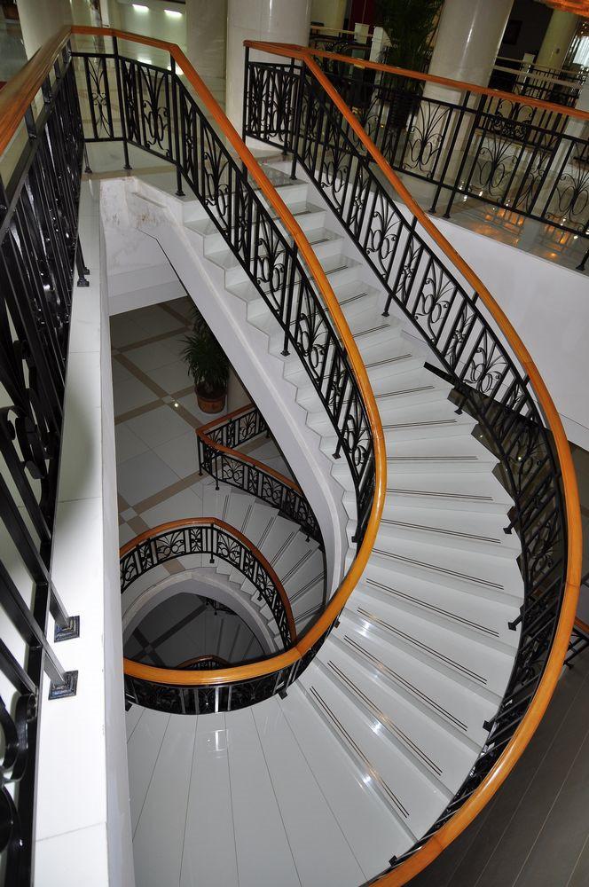10款簡單的旋轉樓梯設計效果圖6