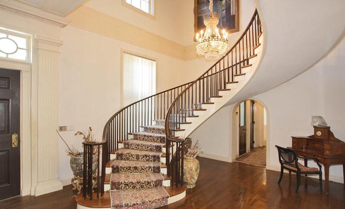 10款简单的旋转楼梯设计效果图7