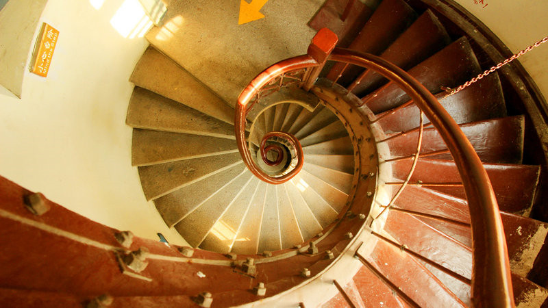 10款简单的旋转楼梯设计效果图8