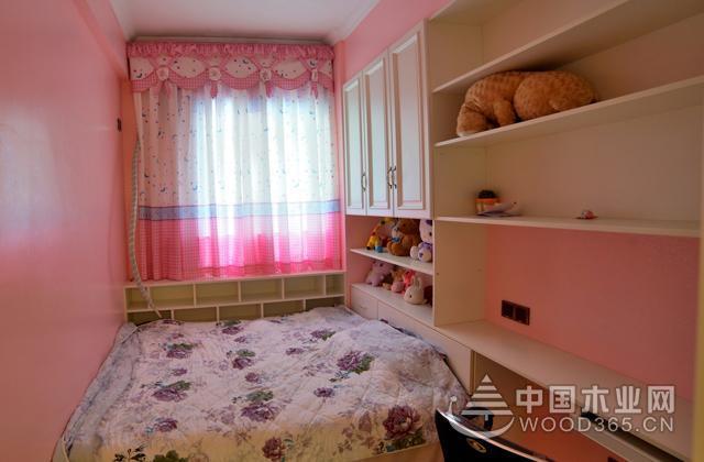 粉色系的女孩榻榻米卧室装修