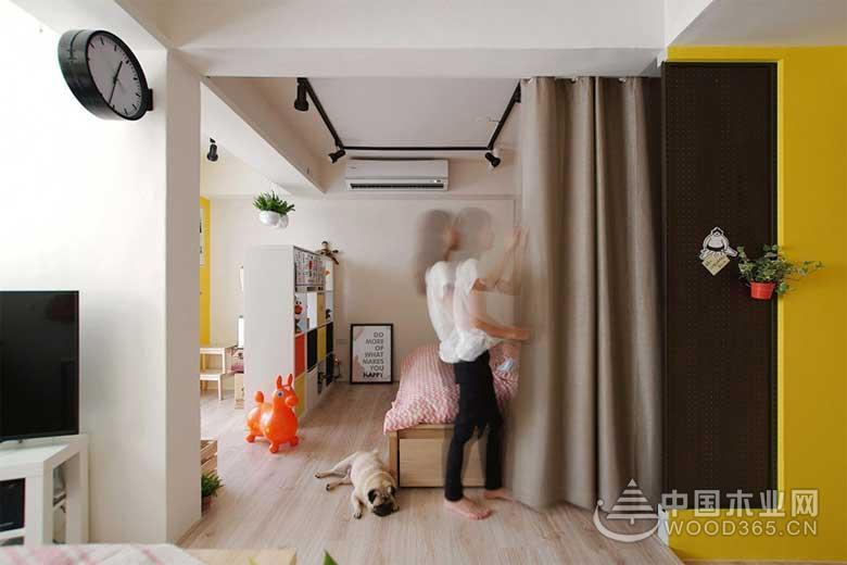 本案例是一套有地下室改造的公寓,户主是一对年轻的小夫妻,她们喜欢轻快一点的色彩,希望让整个家看一眼就会有的好的心情,所以设计师采用黄色由主色调来进行装修。