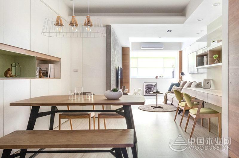 本案是一个位于台湾的二手房改造项目,整体面积有100平米,采用了现代北欧风格装修,原始户型中存在着公共区域过于狭长的问题,且采光较差。设计师将客厅外的公共阳台纳入客厅中,并运用大量简洁纯净的色彩,再加上更换了体量更小更实用的家具,整个空间不仅被放大了许多,也改善了之前的采光问题。