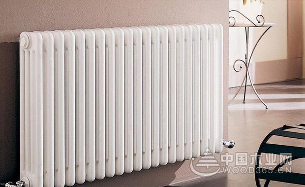 客厅散热器安装位置和采暖散热器安装注意事项