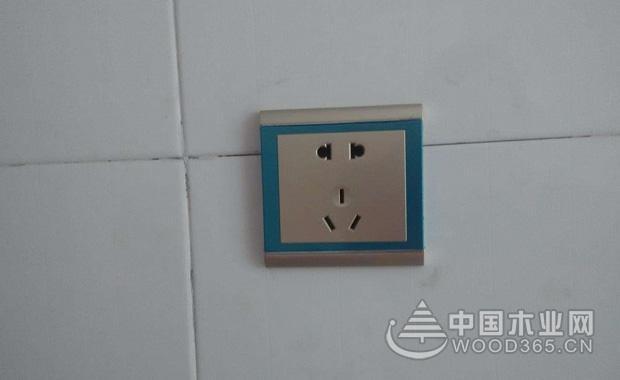 五孔插座如何接线,安装五孔插座注意事项