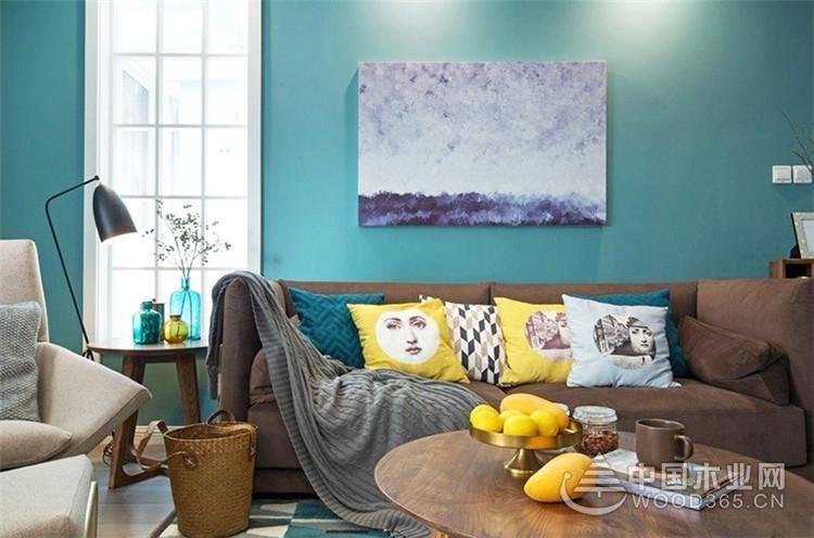 配上水蓝色的北欧风格,三室两厅装修效果图