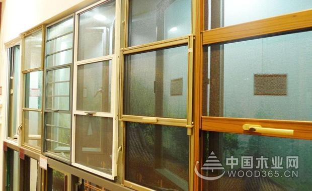 防蚊纱窗怎么清洗?如何去除防蚊纱窗的油污?