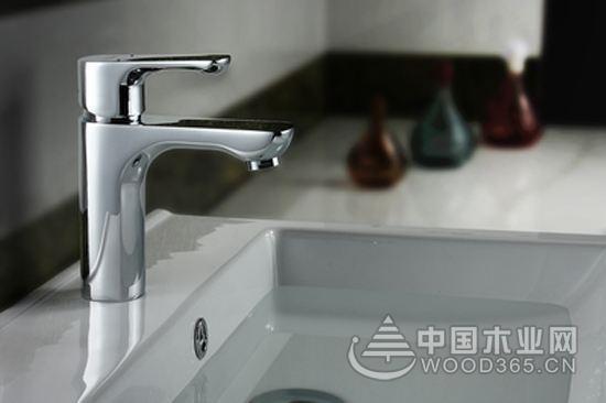 全铜水龙头和不锈钢水龙头的区别和优势对比