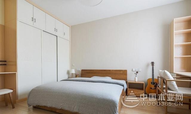 120平原木色三室两厅装修效果图:家里恬静大方舒适