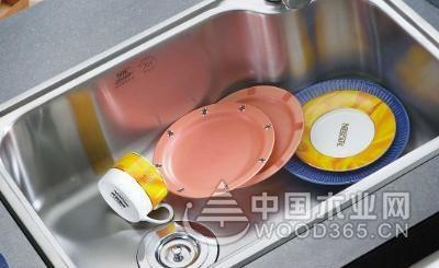厨房水槽用单槽好还是双槽好?