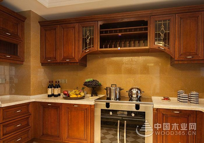 整體廚房裝修效果圖:實木櫥柜圖片欣賞