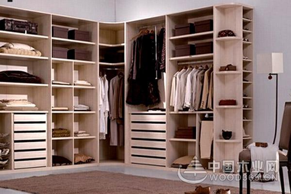 定制衣柜和成品衣柜区别