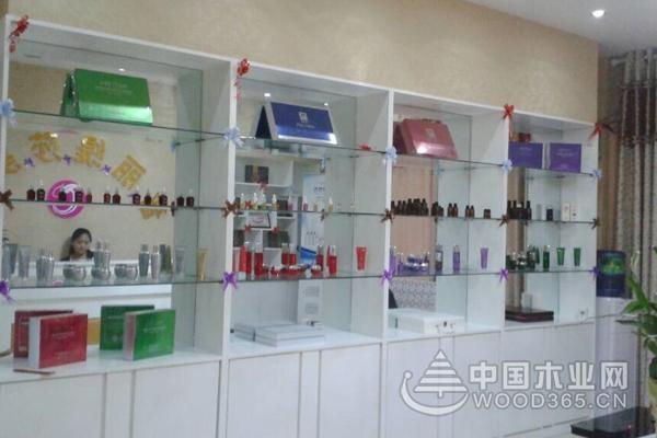 一组美容产品展示柜效果图片展示
