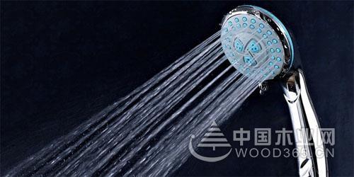 一组淋浴喷头图片展示