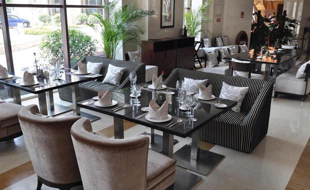 西餐厅桌椅尺寸和摆设独特之处