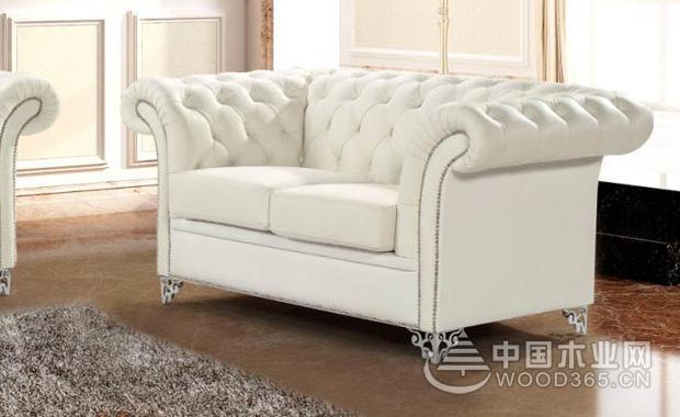 白色皮沙发怎么清洗?