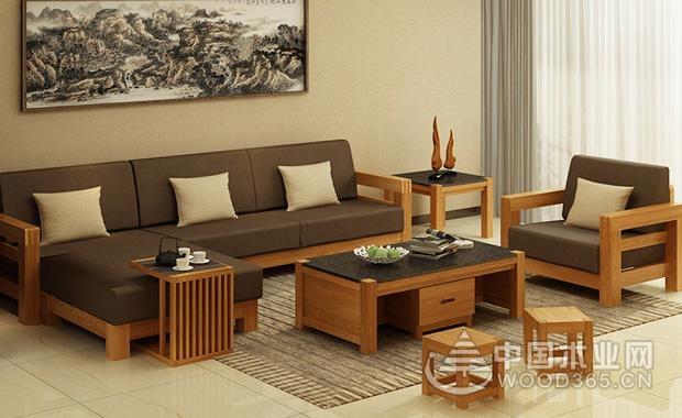 现在市面上的大多实木沙发都是使用板木结合而成的,只在沙发表面使用