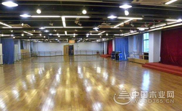 舞台木地板和塑胶pvc舞台地板的区别