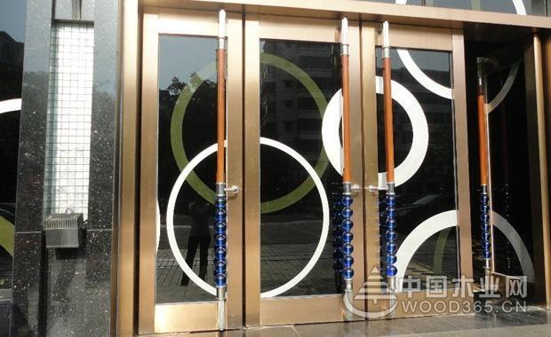 不锈钢门多少钱一平方?