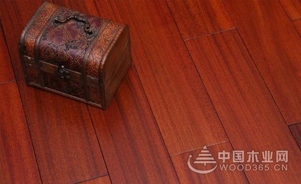 实木地板缝隙大的原因和解决办法