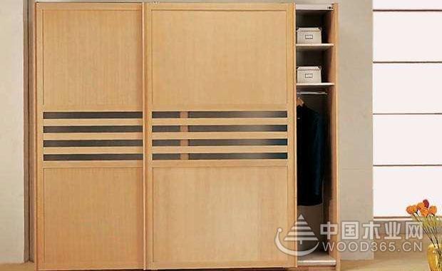 衣柜门移门和对开门哪种好?