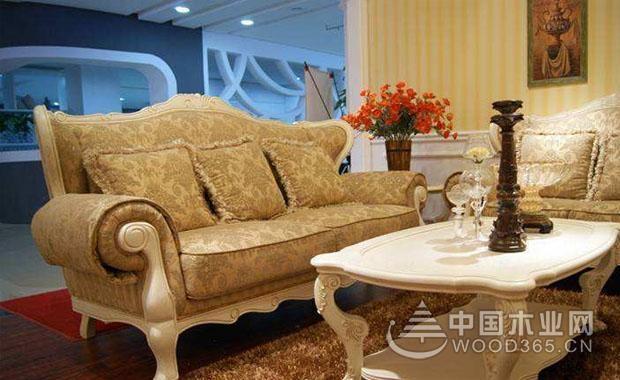 布沙发不拆怎么洗涤?布沙发清洗的方法有哪些?