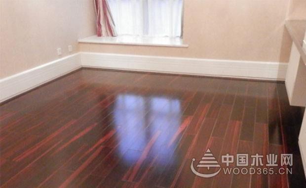 实木地板怎么打蜡?