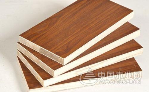 马六甲生态板和杉木生态板,哪个做衣柜好?