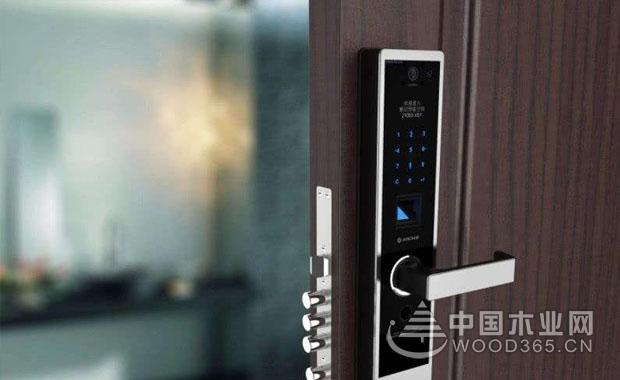 指纹门锁结构原理和开门方法