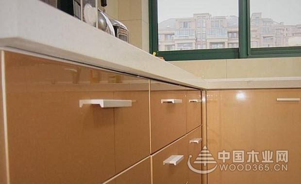 烤漆柜门优缺点和价格