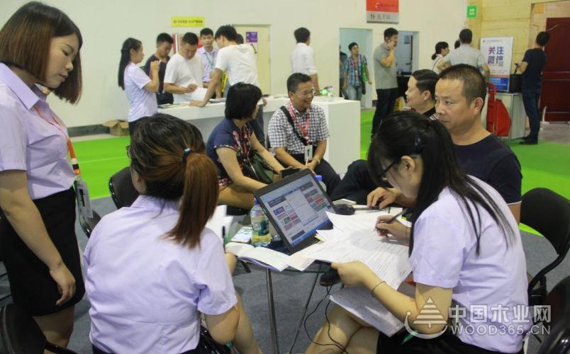 中国木业网木博会之行:展位门庭若市 客户满意而归